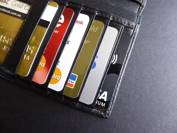 Użycie karty w celu dokonania płatności w internecie